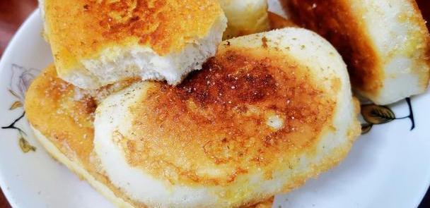 炸馒头片,只裹鸡蛋是不对的,大厨:多加一样,馒头不吸油更酥脆