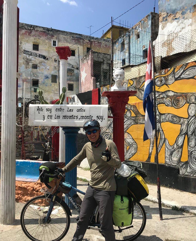 神奇的古巴,原来他们的警车长这样~