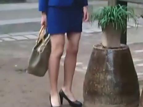 猴票:妻子穿职业装,没想到家人都不习惯,我以为认错人了