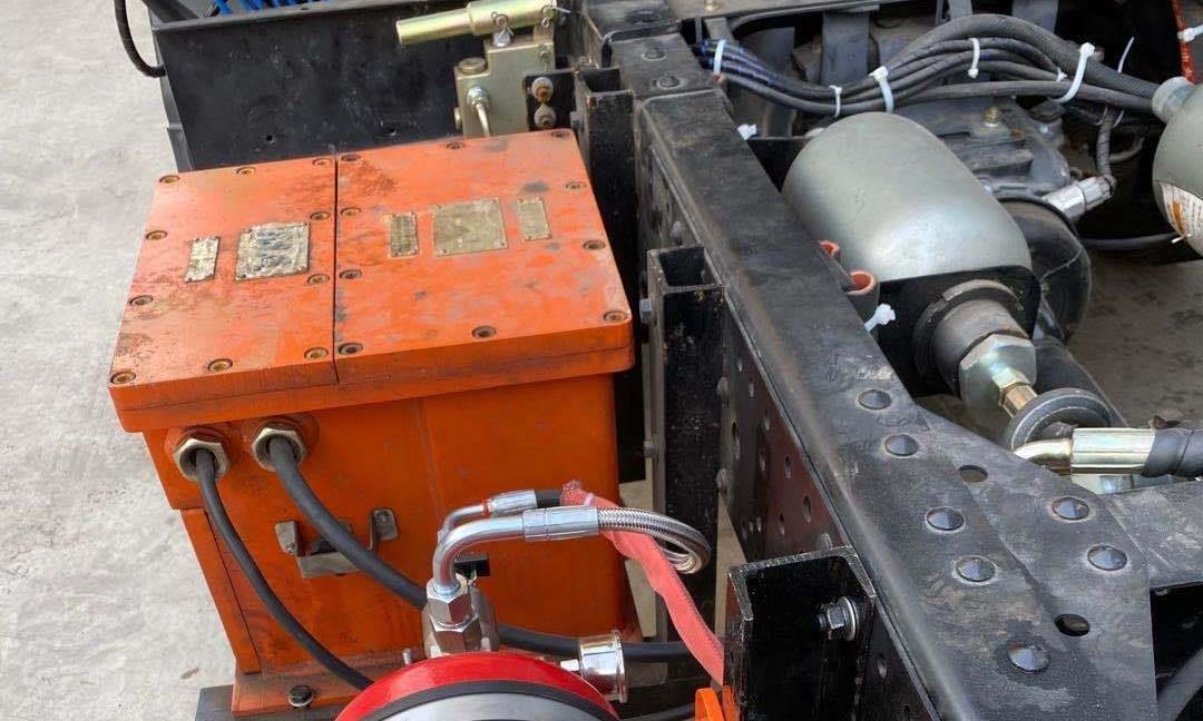 煤矿车辆自动灭火装置在矿山车辆发动机舱应用及创新