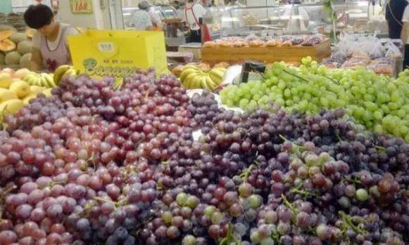 买葡萄,只要碰到这2点,不管哪个品种,再便宜都不买,是催熟的