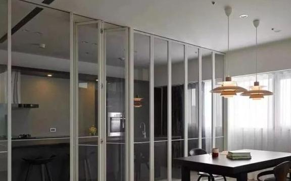 厨房装折叠门,隔绝油烟又美观