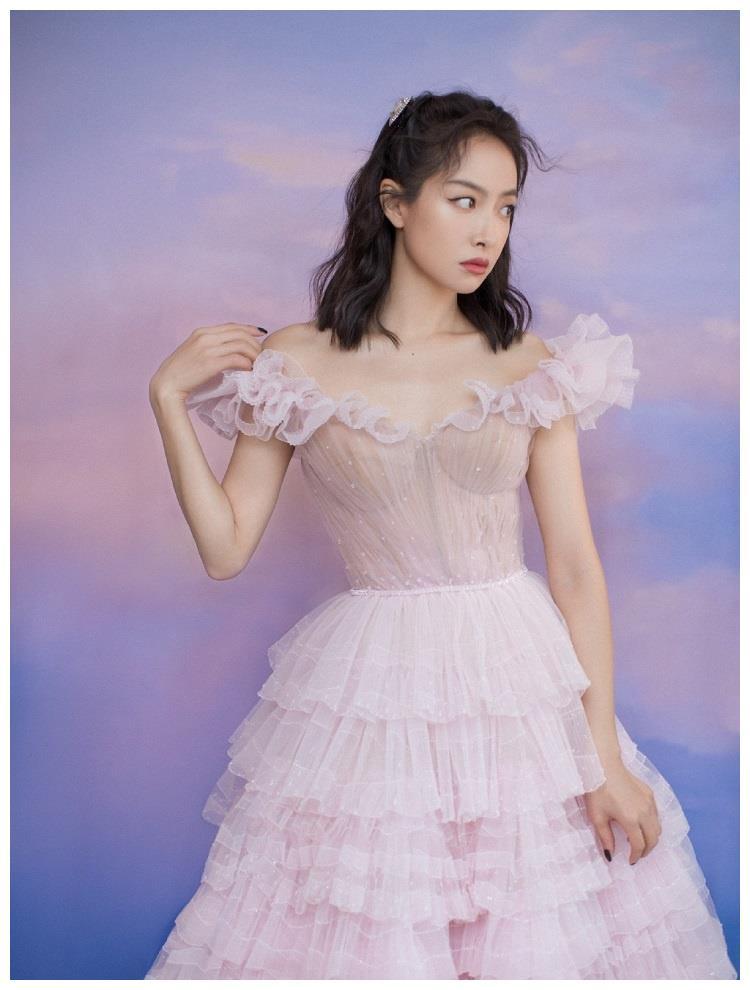 宋茜金鹰颁奖晚会造型,粉色公主裙甜美梦幻,33岁依旧少女感爆棚