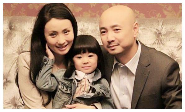 """有种""""基因""""叫徐峥女儿,完美继承妈妈好基因,网友:不出道可惜"""