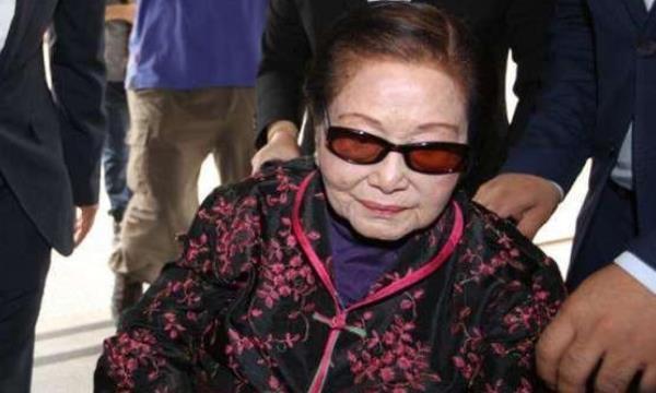 香港年龄最大的女富豪,百岁高龄坐拥千亿资产,6个儿子却不省心