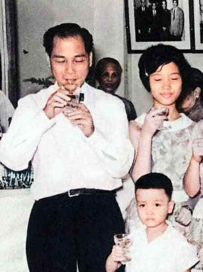 张国荣幼时与父亲张活海,母亲潘玉瑶真实影像,揭开父子不和谜团