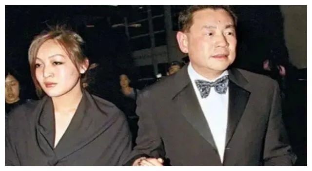 刘銮雄长女:母亲助丈夫成富豪含恨而终,她与甘比交好不记恨爸爸