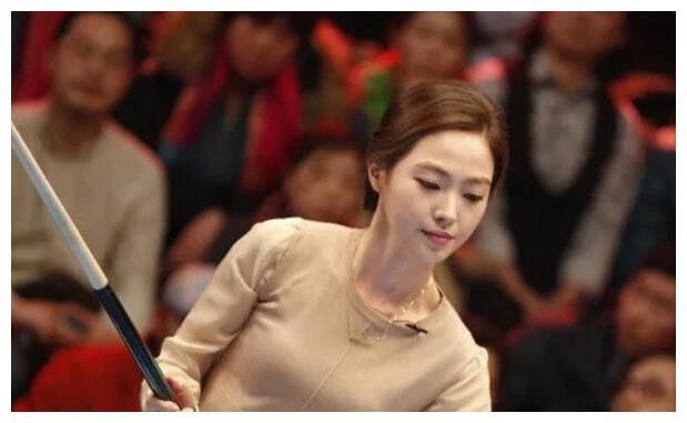 最美台球女神,事业爱情双丰收,退役后嫁给比自己大14岁的初恋