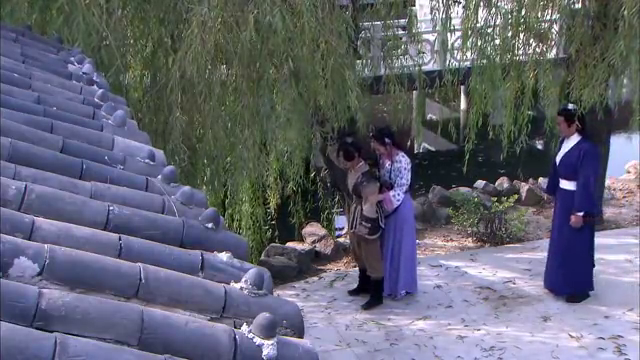 艾虎的母亲嫁给吏部尚书冯浩十二年,却不知眼前之人是自己的仇人