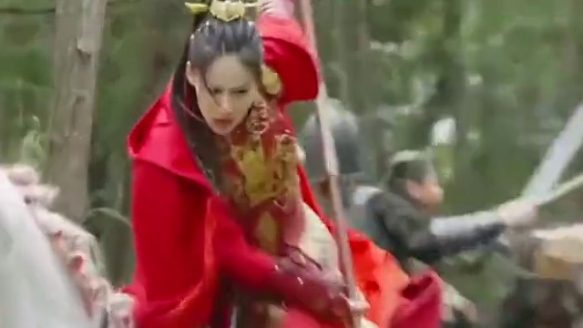 赵云为救心爱女人,直接把敌人挂在百鸟朝凤枪上