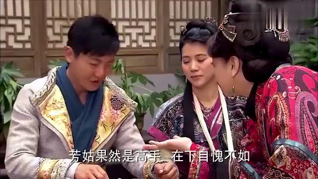 龙门镖局:郭京飞陪芳姑打牌,被闺女拆穿出千,芳姑爆料秋月初恋