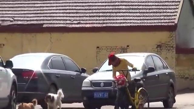 公用的小黄车成了农村伯伯的代步工具,这是怎么回事