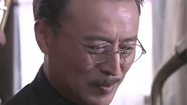 大结局:日本人逼爱雪当工厂的经理,不料爱雪当苦力也不愿当经理