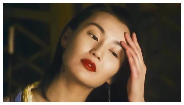7年前,张曼玉拒绝给章子怡颁奖:给我再多钱,我都不再和她合作