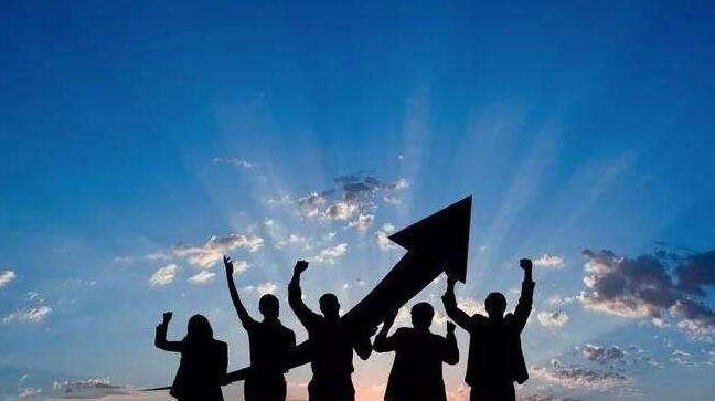 业务员加薪:不要随便加底薪或提成,战略是领导者对未来的判断!