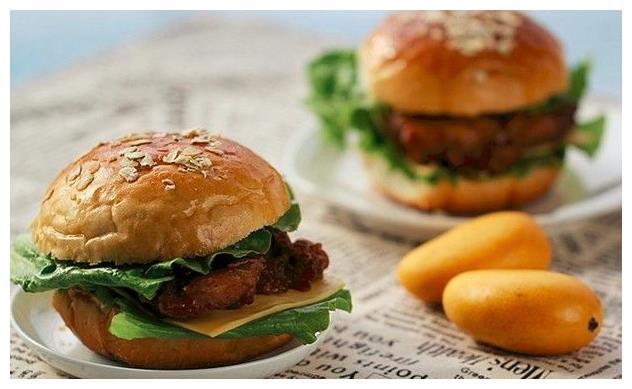 自制全麦鸡腿堡,步骤详细,制作汉堡胚和炸鸡腿肉的秘方都告诉你
