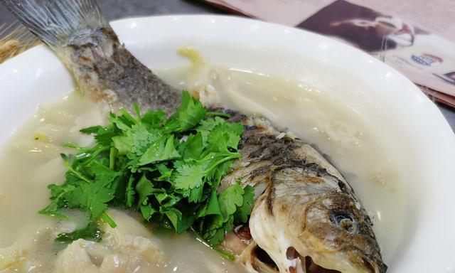 鲫鱼平菇汤,营养丰富,味道鲜上加鲜