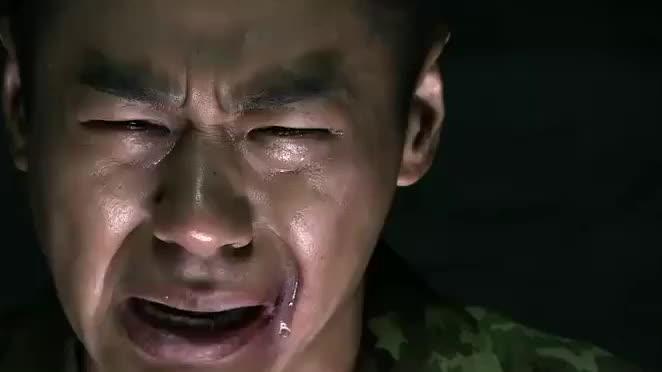 我是特种兵:王艳兵因为失去父亲难过,何晨光帮助他走出阴影