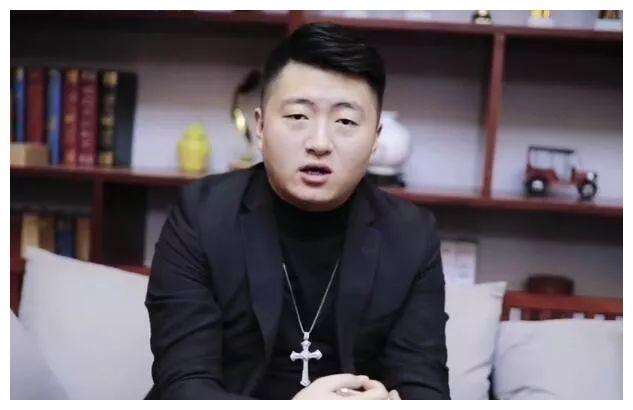 小洲爆料YY主播资产,直播8年以上都上亿,但只有他是个例外