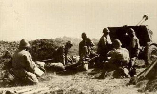 八路军夜袭阳明堡机场,并不是日军疏忽大意,而是我军钻了个空子