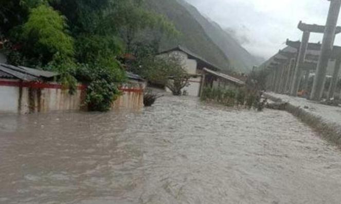 """长江流域平均降雨量创59年来最高,我国750条河都""""超警"""""""