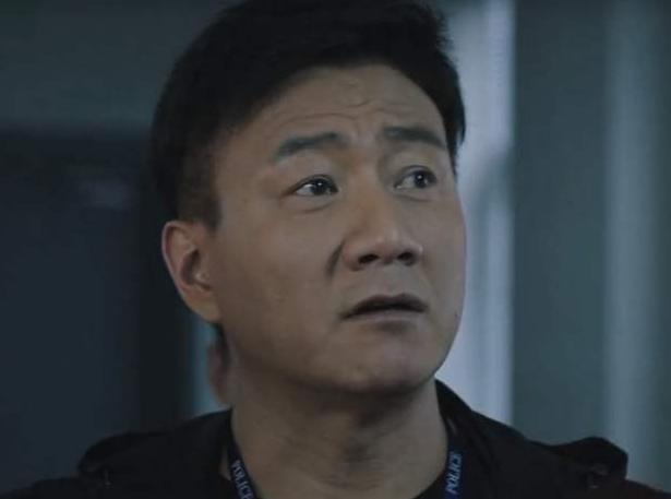 《猎狐》:杨建秋身上3大毛病,胡军无奈坠入深渊?虐心了