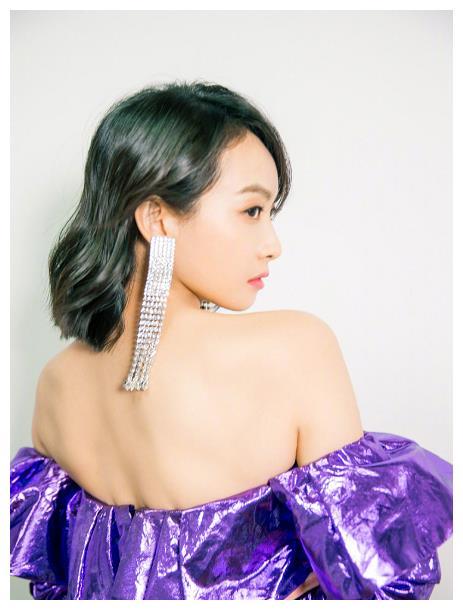 女明星耳环:宋茜的难驾驭,戚薇的高级,看到杨幂:不累赘吗?