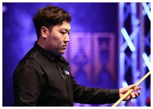 斯诺克大师赛:颜丙涛爆冷击败马奎尔,打出职业生涯最高分