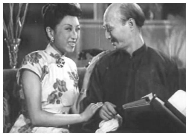 《独立大队》地主婆,苏芸嫁大11岁《渡江侦察记》敌军长崔超明?