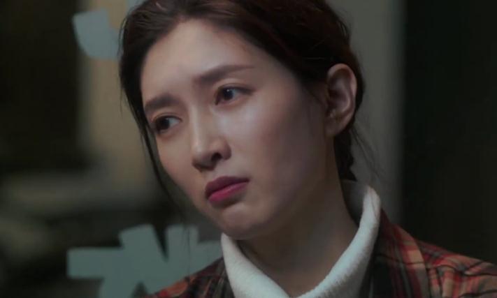 《三十而已》王漫妮被欺骗感情,顾佳钟晓芹教训渣男,太解气了