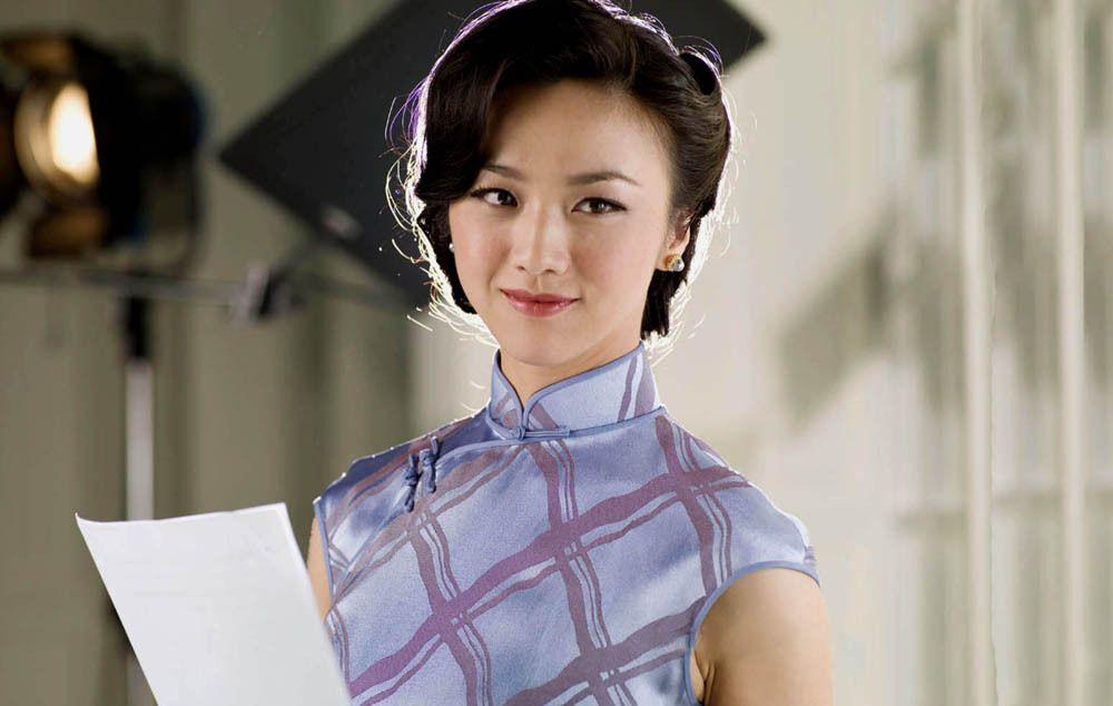 汤唯19张剧照,绽放旗袍雅韵,东方女性的唯美曲线尽收眼底