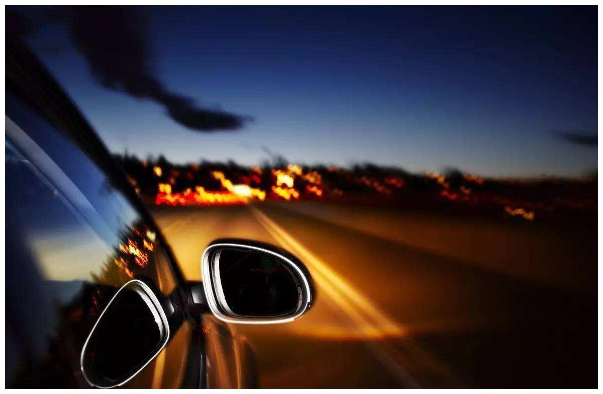 车子大灯太暗,到底改氙气灯还是改LED灯?过来人告诉你真相