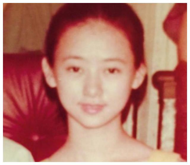 时隔25年,51岁翁虹和老友徐锦江再聚首,逆龄生长少女感十足