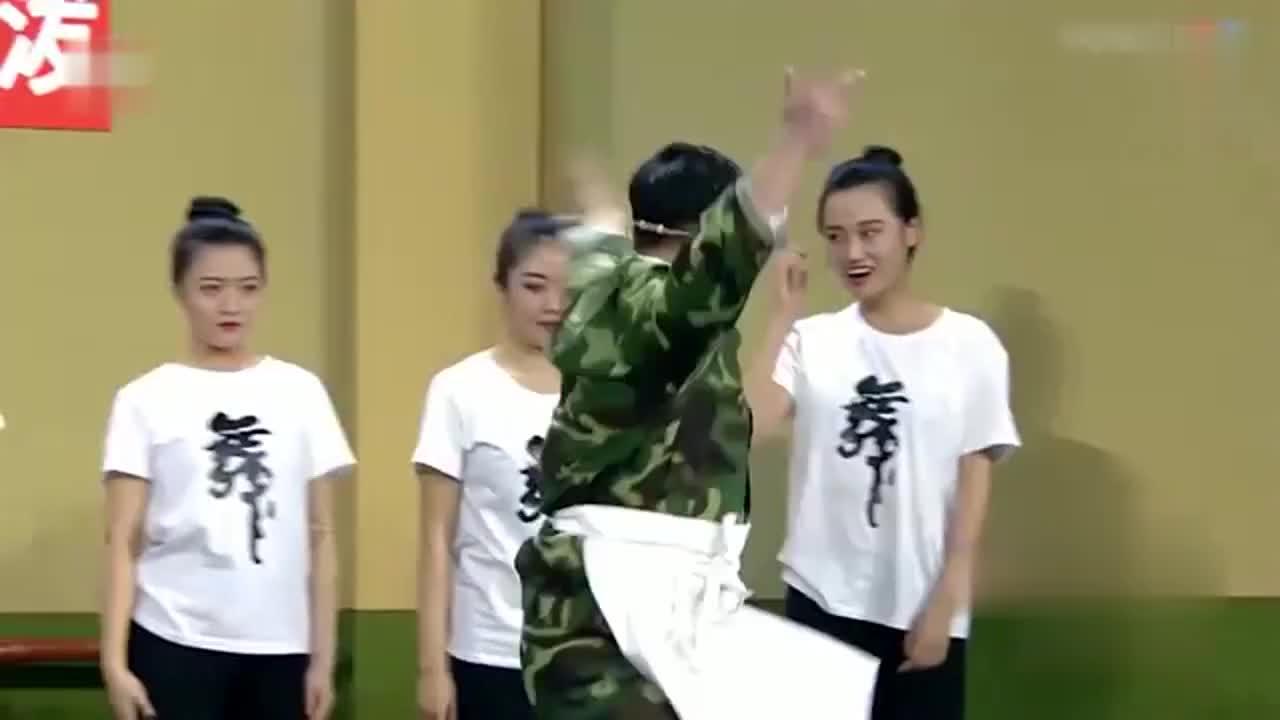欢乐喜剧人:贾冰,你这跳的什么舞呀?贾冰:我想是锄禾日当午