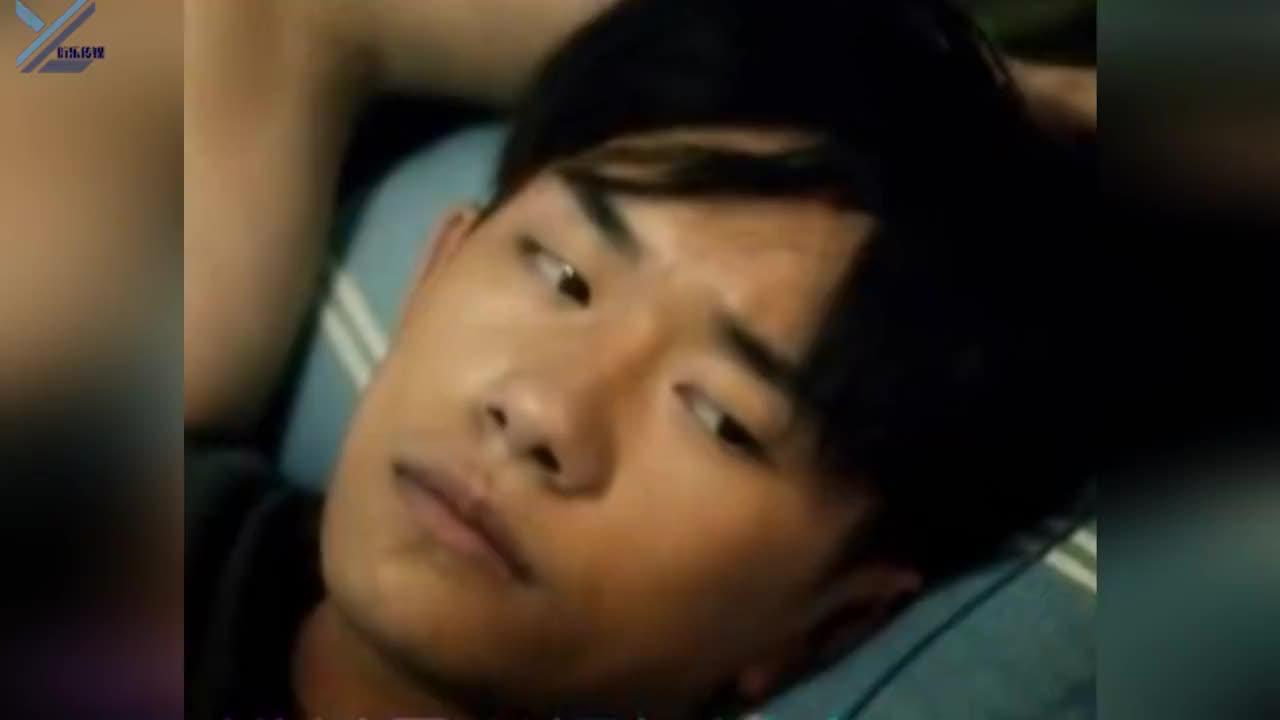《少年的你》韩版海报再曝光:周冬雨被P出微笑唇