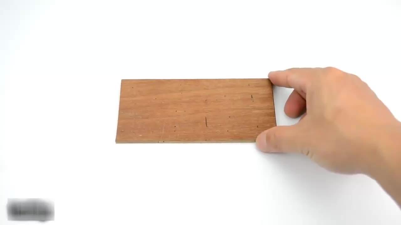 男子研发出一台自动剥瓜子机,网友:又是一个无用发明