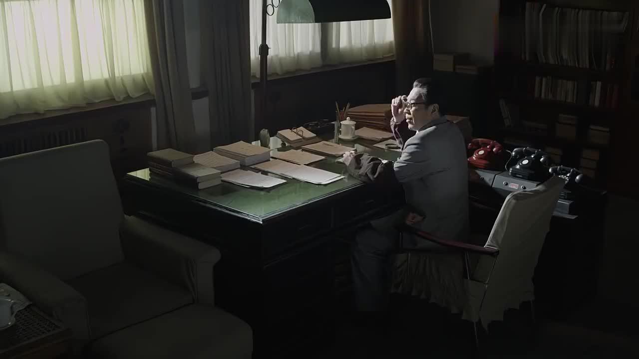 海棠依旧:陈老总担任外交部长,面对记者的采访,陈老总真霸气