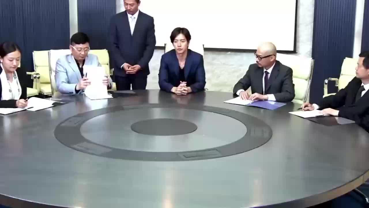 影视:总裁集团面试新店长,总裁夫人来面试,总裁真是满脸宠溺