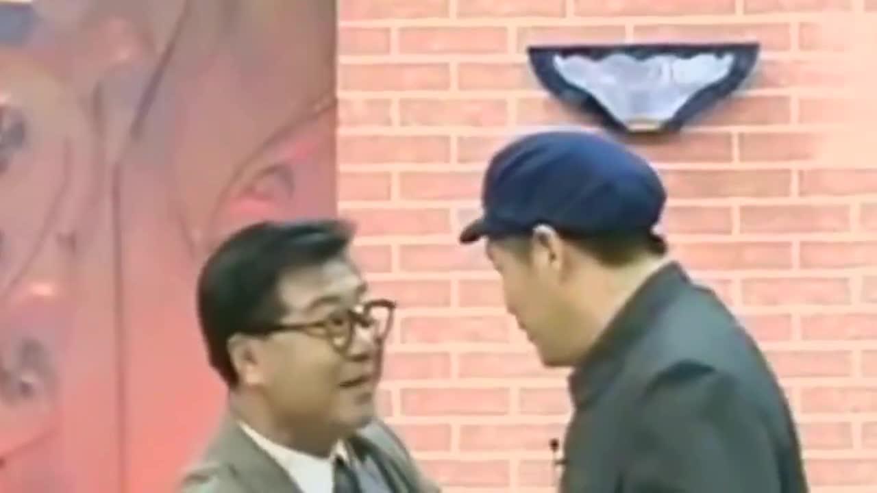 61岁赵本山近照曝光,一身潮装似00后,座驾与车牌号抢镜