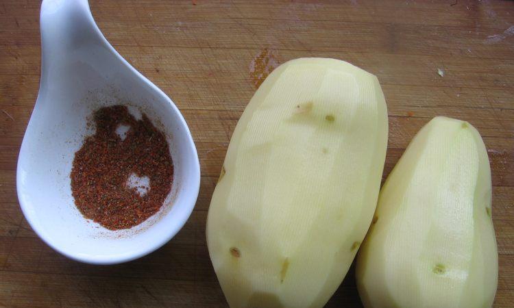 自制嘎嘣脆的香辣薯片,焦香酥脆,好吃停不下来