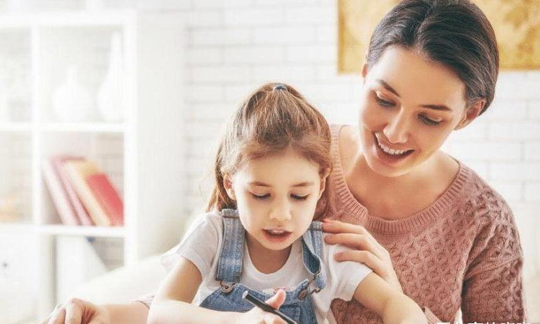 应指导孩子选择有价值有益的活动,丰富生活,提高情操