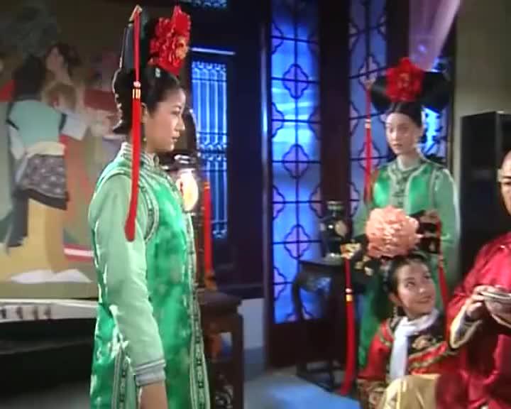 紫薇太机智了,不但给皇上分享了歌词,还展示了书法