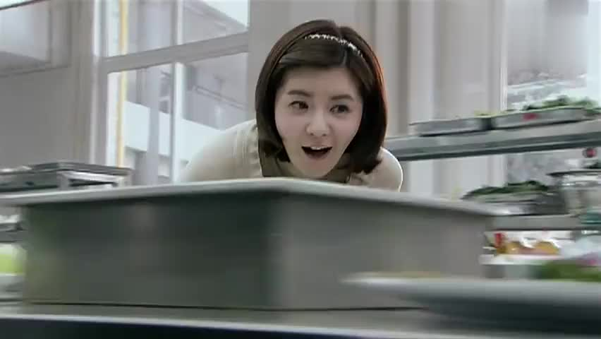 林师傅在首尔:对面饭店想偷艺,林大厨想了个招,让他们看个够!