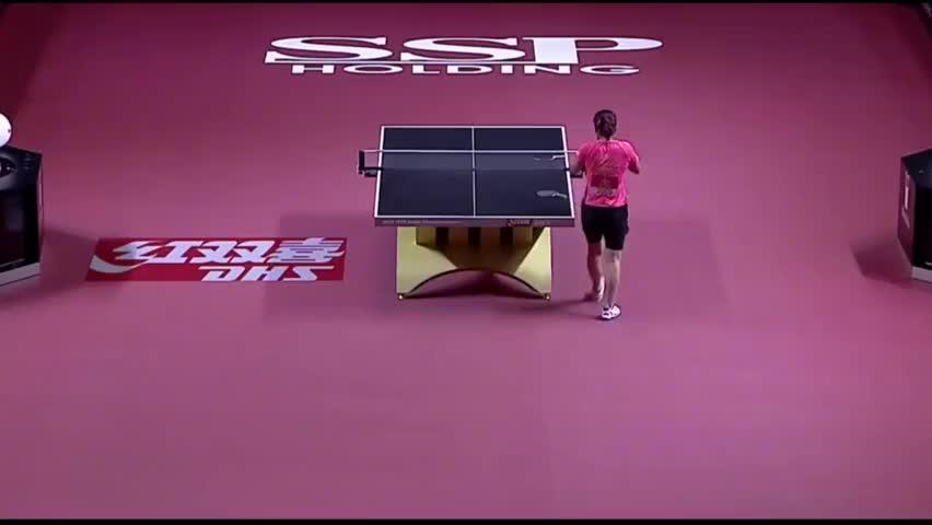 刘诗雯在攻防两端都表现的无懈可击,对手被打的满脸茫然