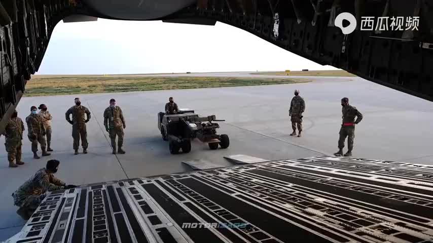 加拿大皇家空军CC-150北极星 CF-18大黄蜂和美国的F-16战斗猎鹰