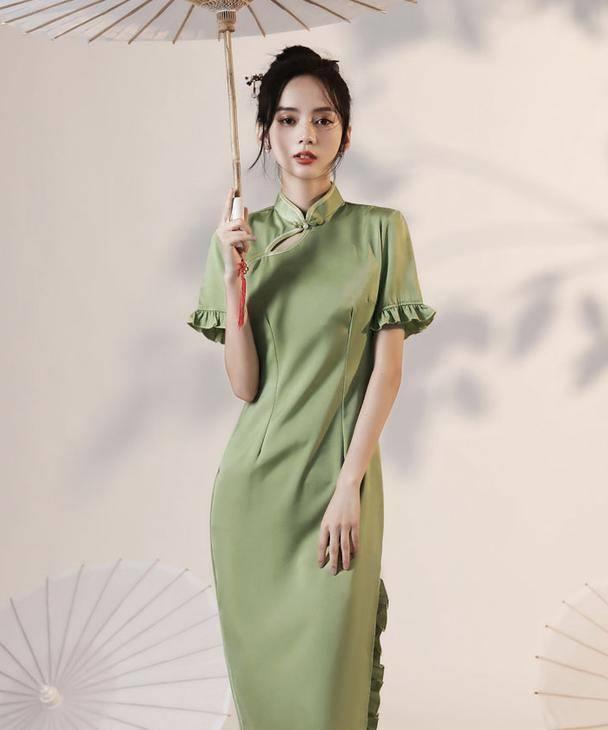 """今年大火的""""旗袍裙"""",学会这几种穿搭风格,时髦减龄有气质!"""