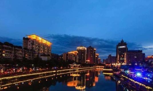 如果你被要求在成都和重庆之间选择,你会选择哪一个?