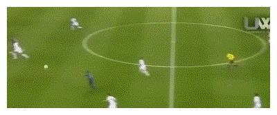 沙尔克04欧战前史最佳一战!在欧冠8强战,5球痛击三冠王