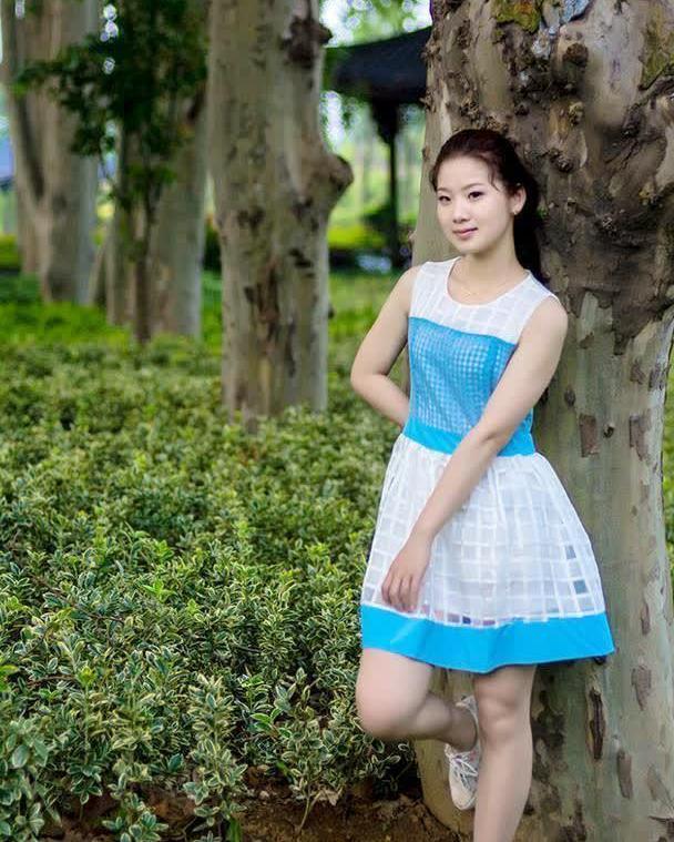 方格纱网连衣裙,凸显青春美少女的气质