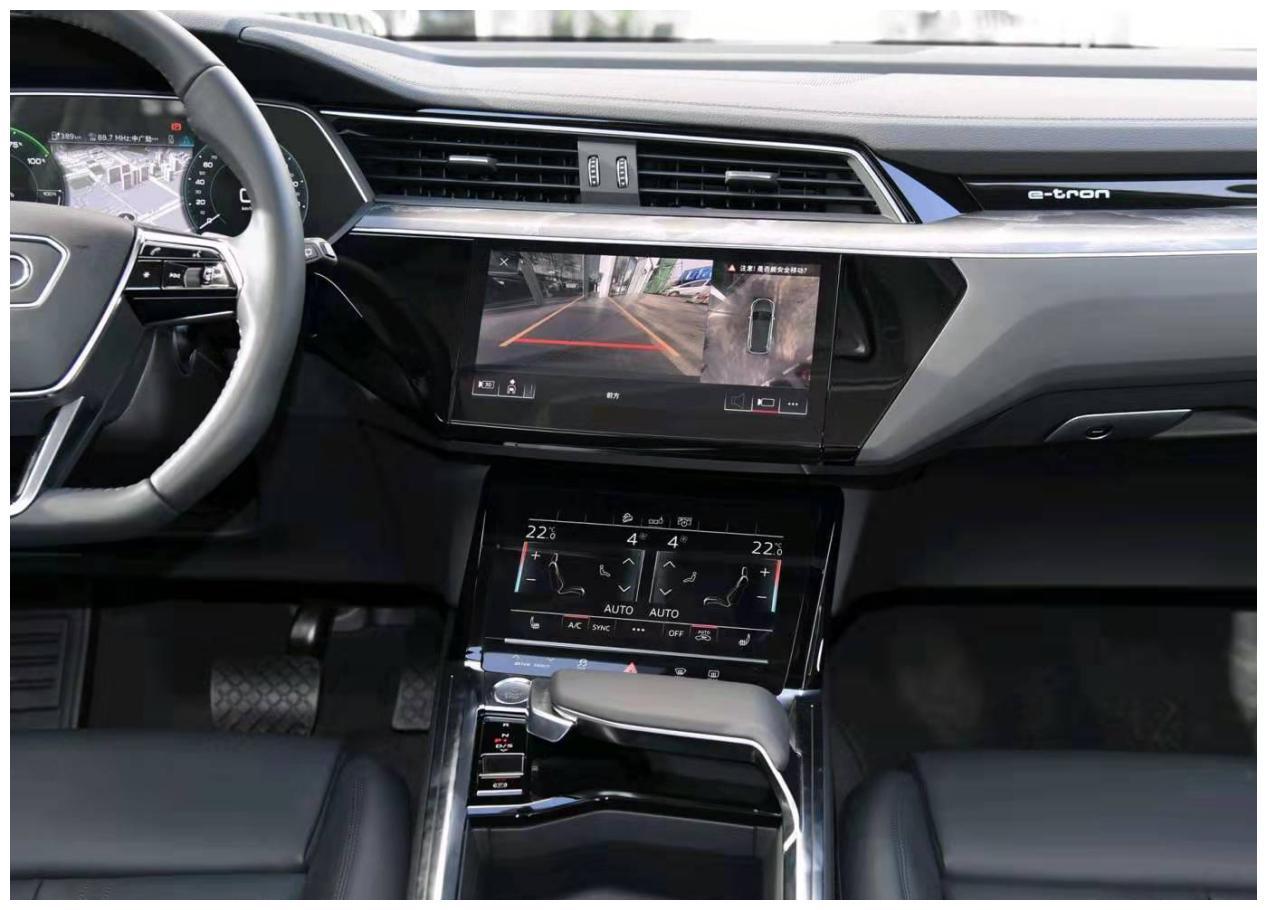 整体的行驶品质,隔音效果相当不错,奥迪e-tron